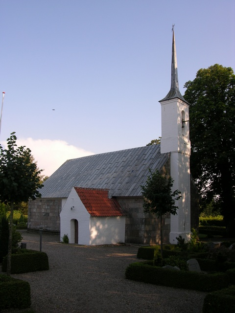 Bur Kirke photo