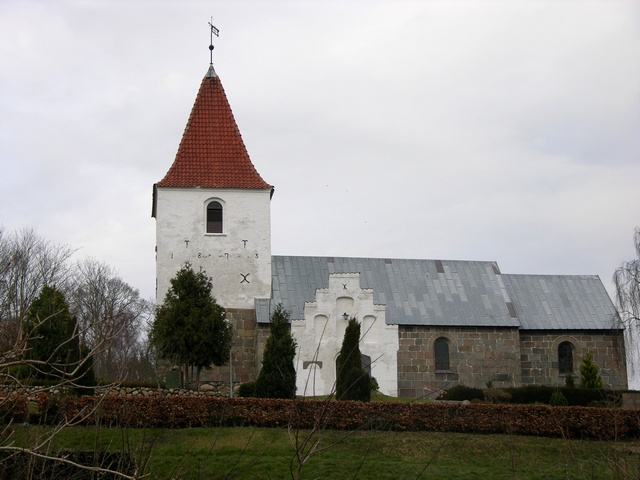 Gravlev Kirke photo
