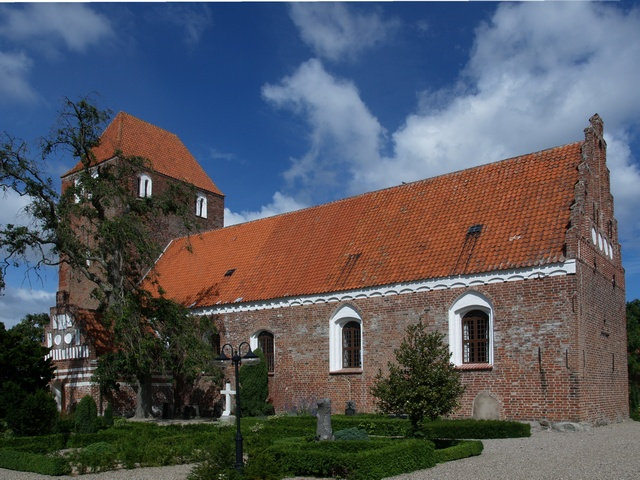 Magleby Kirke photo